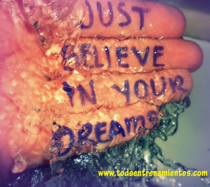 Just_Believe_in_Your_Dreams_by_Smileosaurus copia